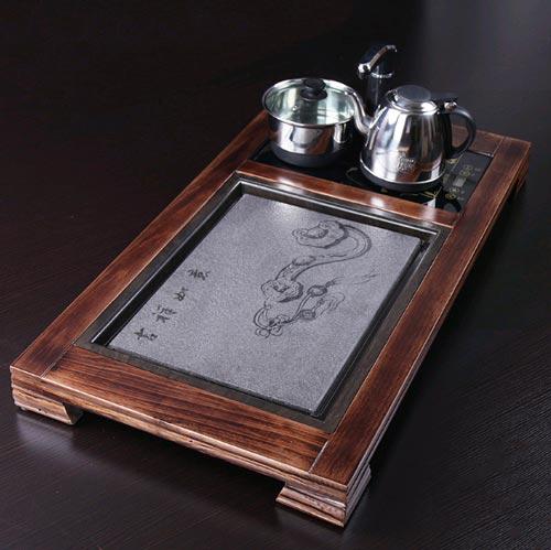 Kích thước 88*47*7.5cm, đây là mẫu khay trà gỗ mun với thiết kế dành cho những khách hàng thích sự đơn giản, tinh tế